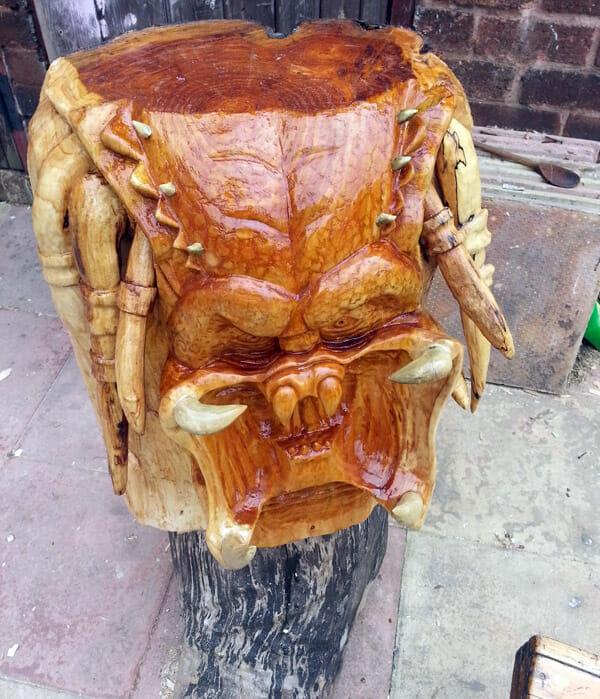 predator-sculpture-tree1