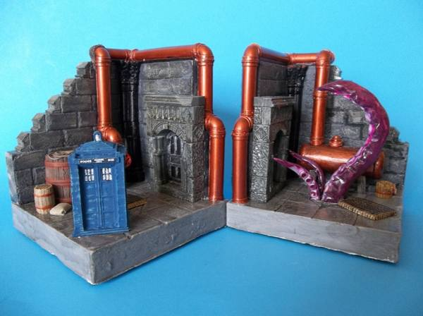 tardis-tentacle-monster-bookends