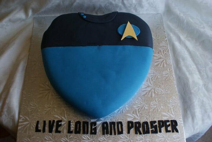 Star Trek Valentines Day cake 2
