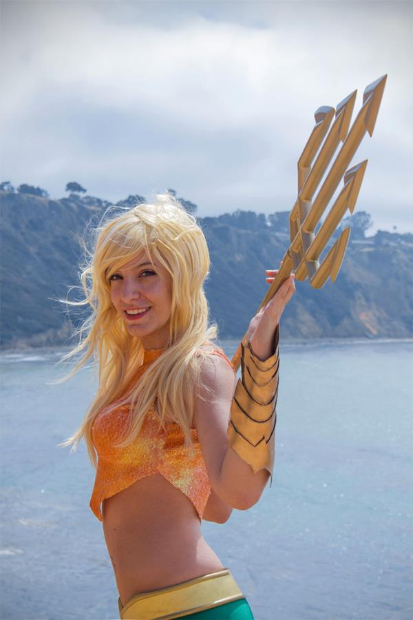 Aquaman-woman-2