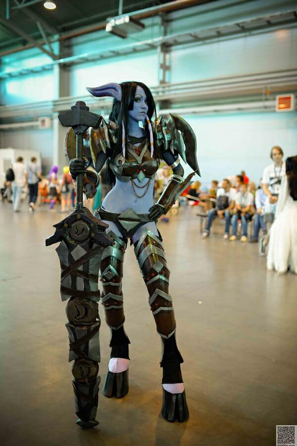 world_of_warcraft__draenei_warrior__1_by_feyische-d7qoiw0