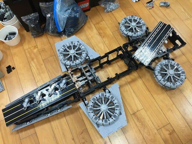 LEGO Helicarrier 4