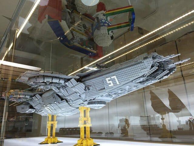 LEGO Helicarrier 8
