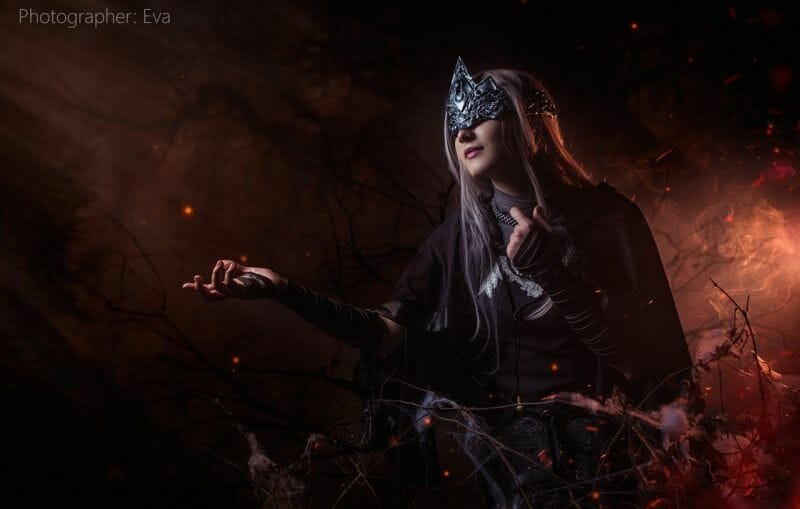 dark-souls-fire-keeper-cosplay-0