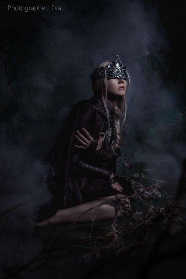 dark-souls-fire-keeper-cosplay-3