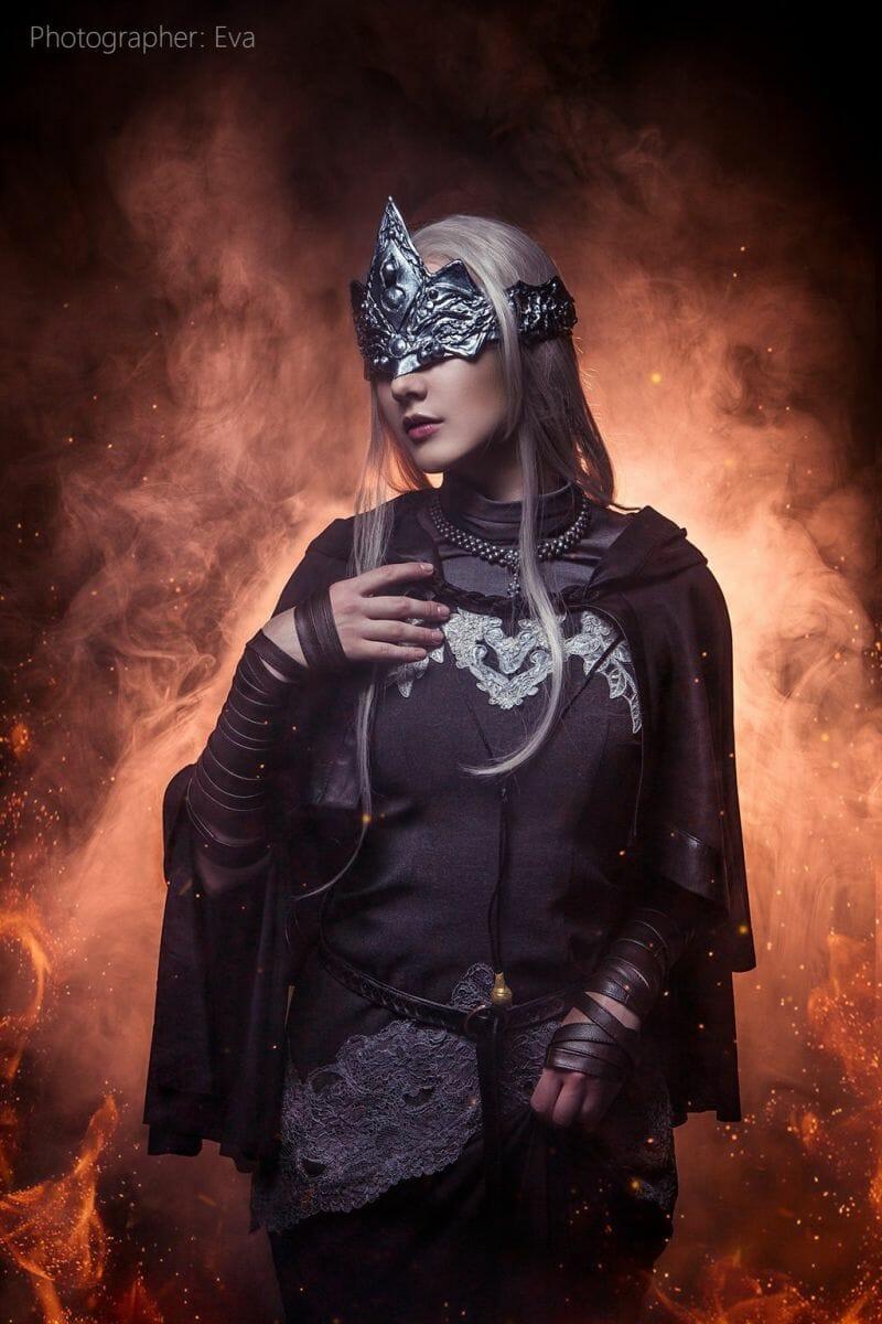 dark-souls-fire-keeper-cosplay-5