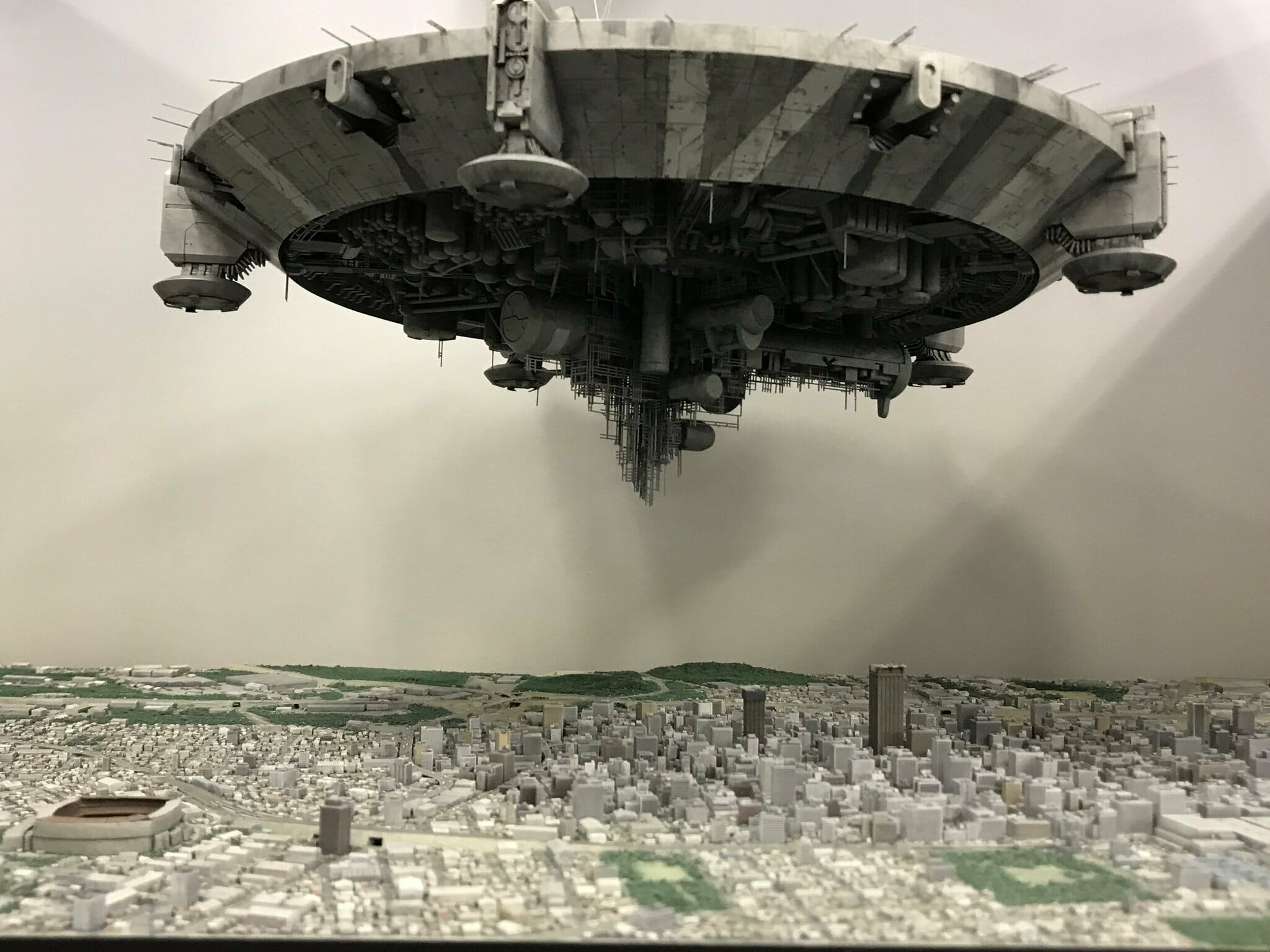 Stunning detail on this District 9 diorama