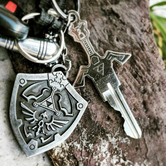 Tri-force sword key