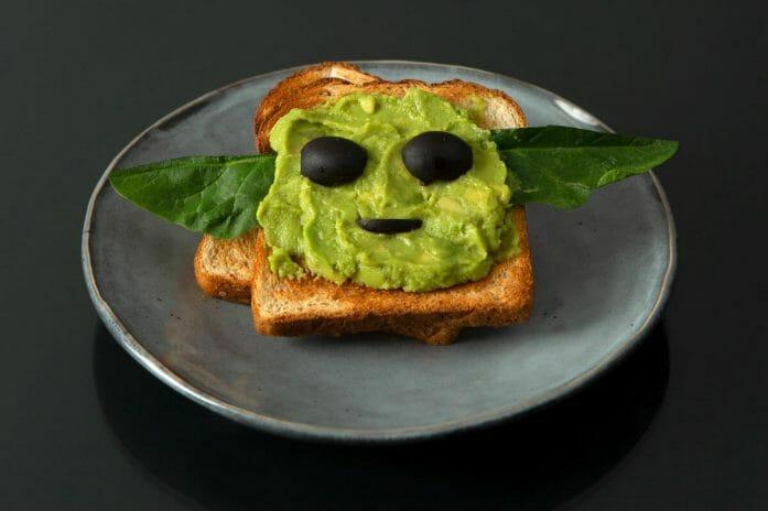 How to make Baby Yoda avocado toast