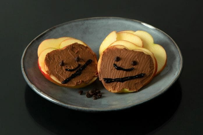 How to make chocolate peanut butter Chewbacca apple slices