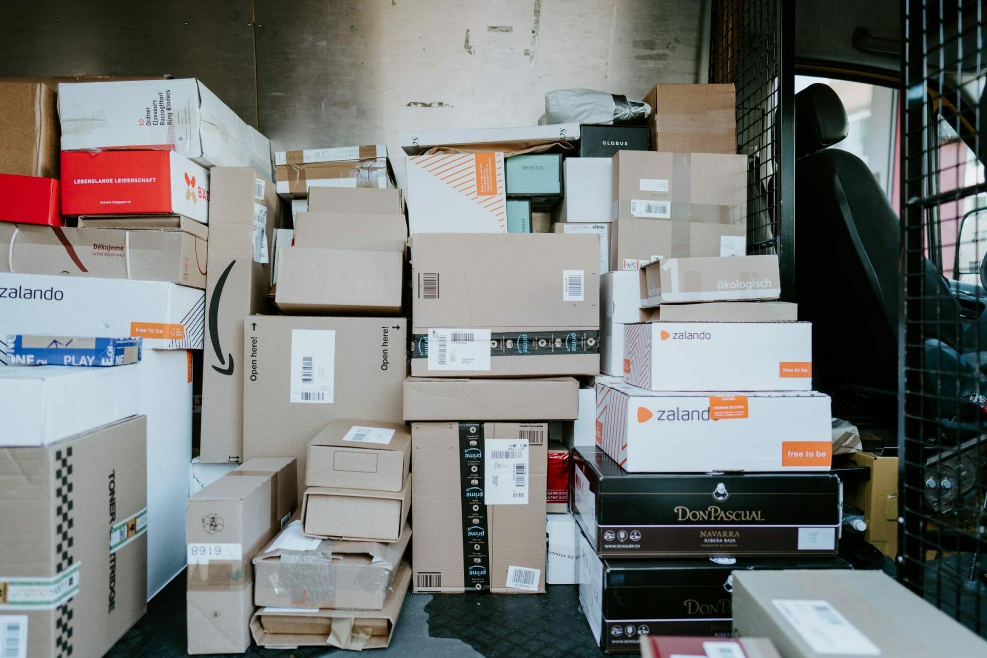 Box shipping logistics